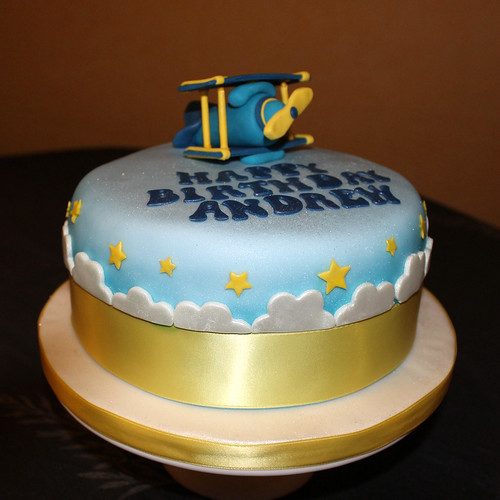 Birthday plane cake 02