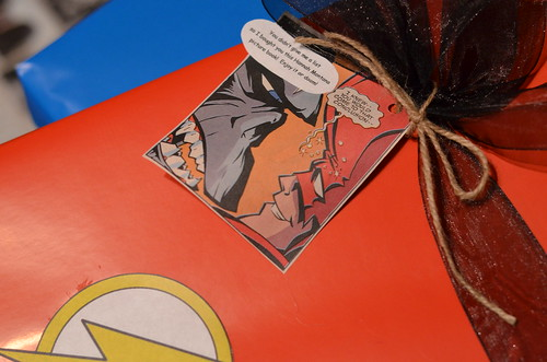 Comic book gift tag