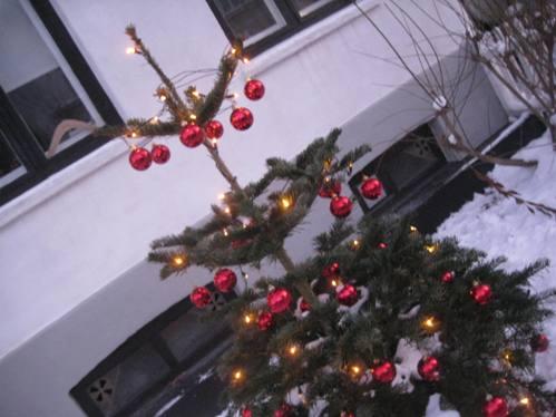 Juletræ med kugler
