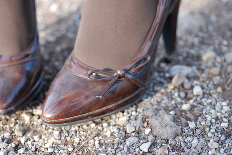shoes brown bow