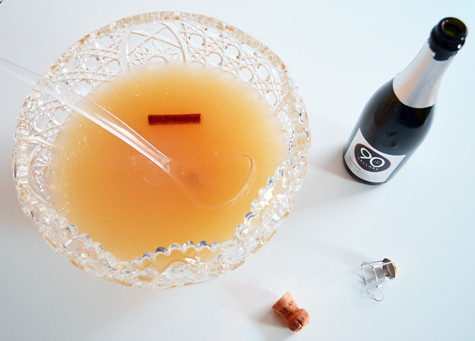 sparkling_pear_prosecco_sangria_punchbowl