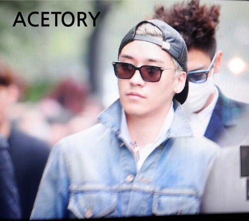 Big Bang - KBS Music Bank - 15may2015 - Seung Ri - Acetory - 02