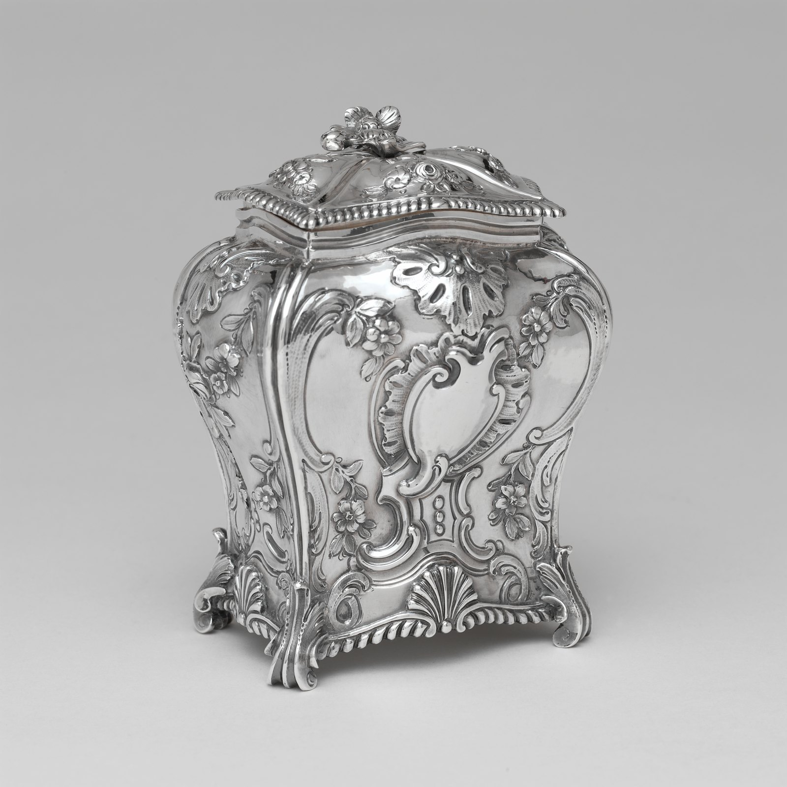 1762 Tea Caddy. British. Silver. metmuseum