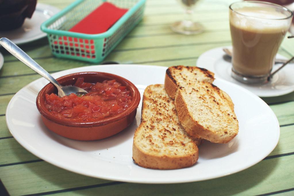 tomato & toast