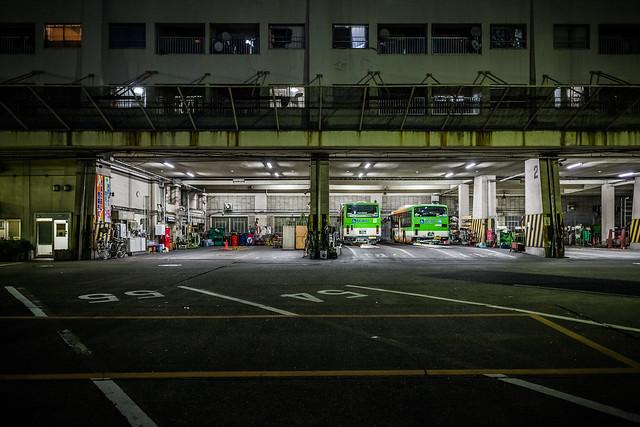 20121115_01_Bus garage
