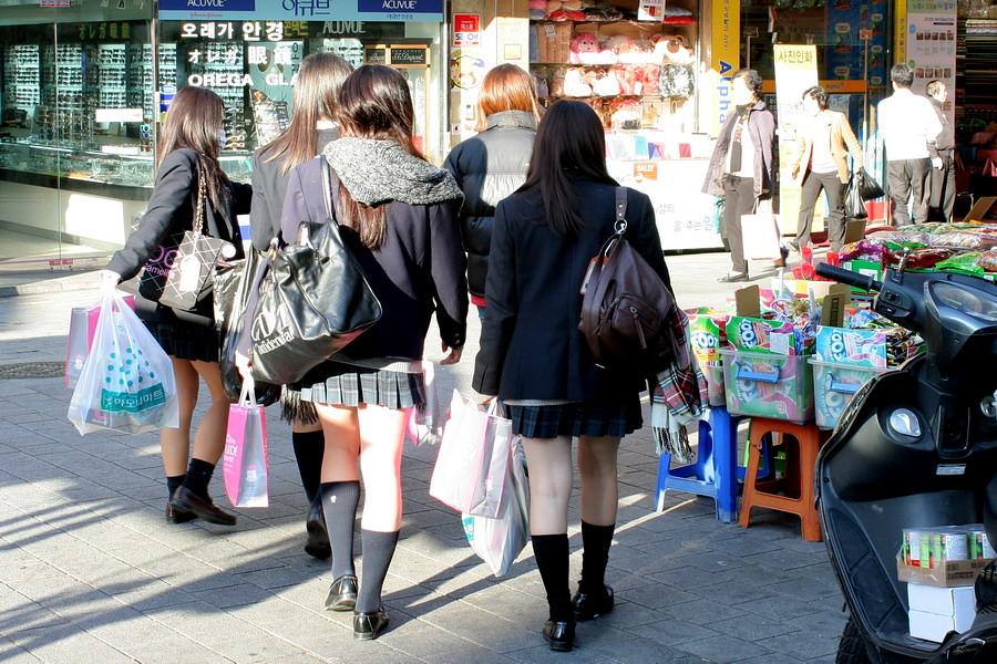 Закрытые шоппинг школьници порно 0 фотография
