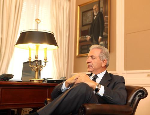 Ο Δημήτρης Αβραμόπουλος στο Υπουργείο Εξωτερικών