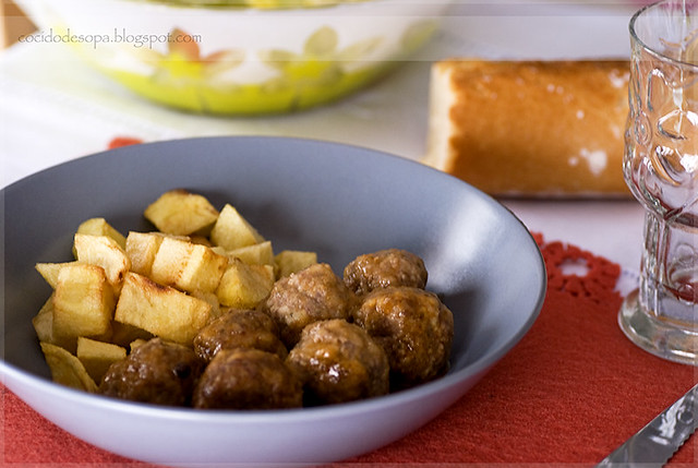Albóndigas de carne en salsa_1