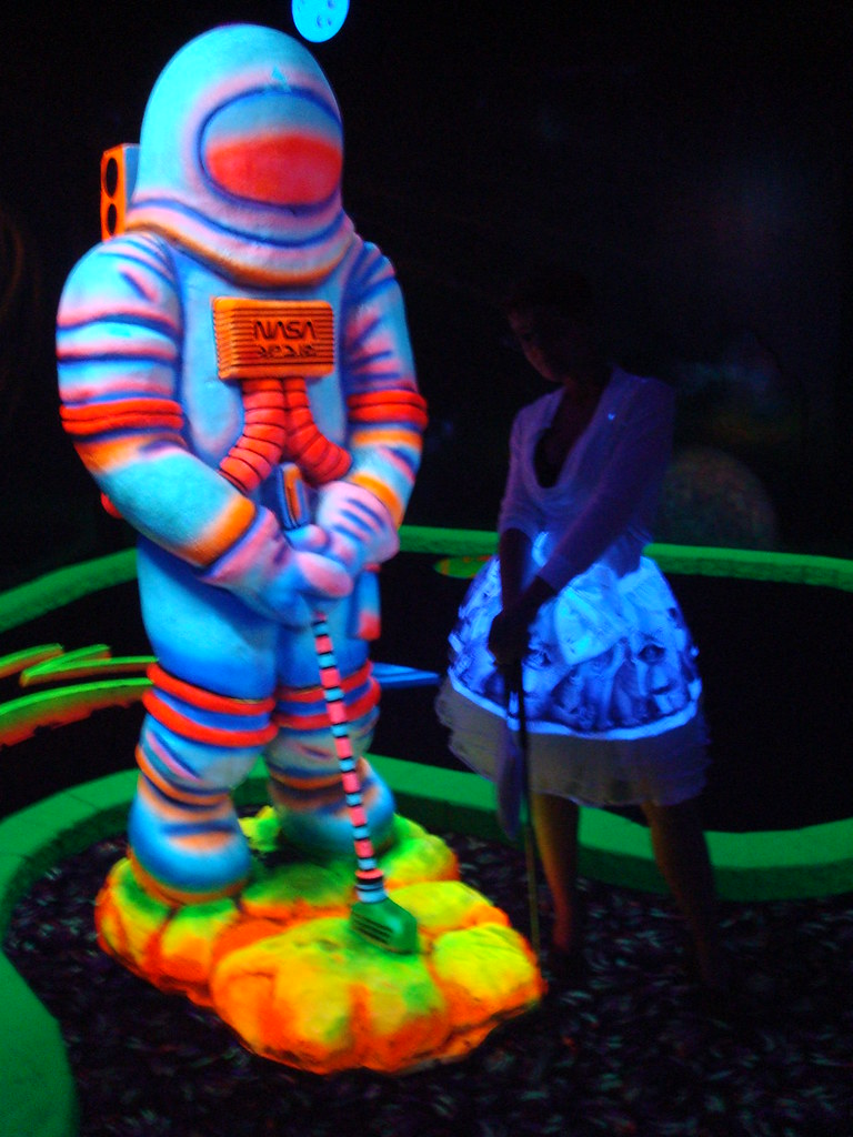 Glow in the dark mini putt
