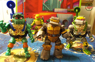 Nickelodeon  TEENAGE MUTANT NINJA TURTLES :: METALHEAD  xix / ..with 1995 WARRIOR METALHEAD MICHAELANGELO & 1989 METALHEAD (( 2012 ))