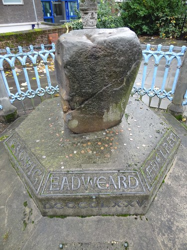 Coronation stone, Kingston