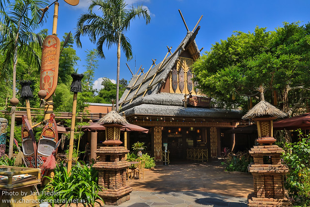 HKDL Oct 2012 - Wandering through Adventureland