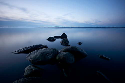 longexposure blue sky lake nature water clouds reflections landscape rocks day quiet sweden empty horizon tripod peaceful nopeople calm clear le bluehour scandinavia minimalistic tranquil linköping uwa sigma1020mm östergötland ndfilter tvärskogsudde linsurf roxen lakescape ultrawideangle neutraldensity nordics lightcraftworkshopnd500 sonyalphaslta77