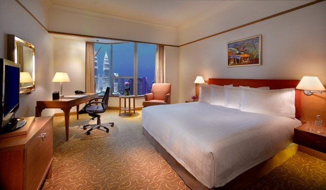 Prince_Hotel_&_Residence_Kuala_Lumpur_-_Deluxe_Room_Bedroom
