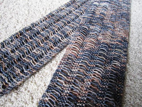 FO: KDTV Dropped Stitch Scarf - Whatcha Knittin? - KnittingHelp For...