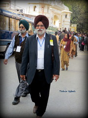 Welcome Sikh Guests To Gurdwara Dera Sahib Lahore Punjab (2012)