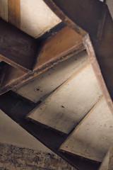 casa del aguila - escaleras