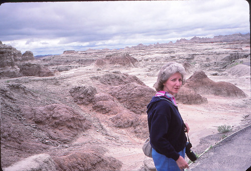 IMG_00901_Linda_at_Badlands