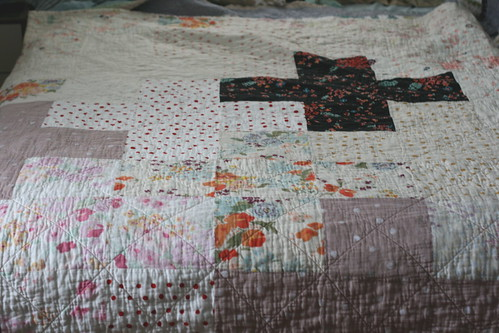 Crossed Up Comforter Quilt