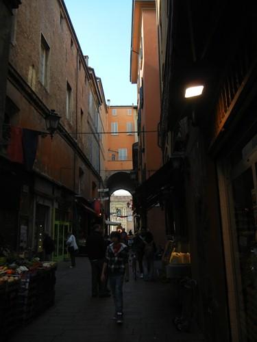 DSCN3203 _ Via Marchesana, Bologna, 16 October