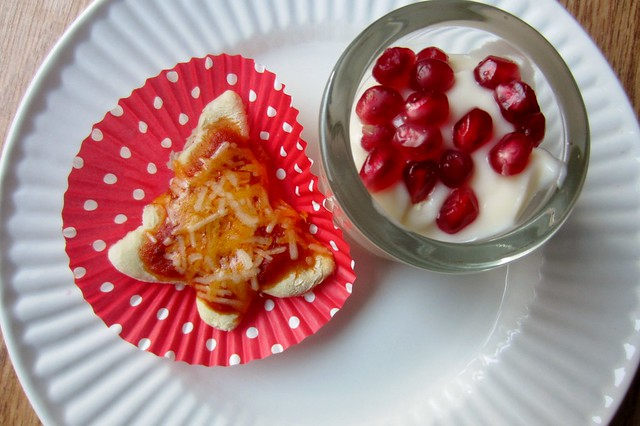 muffin tin monday: christmas tree and yogurt parfaits