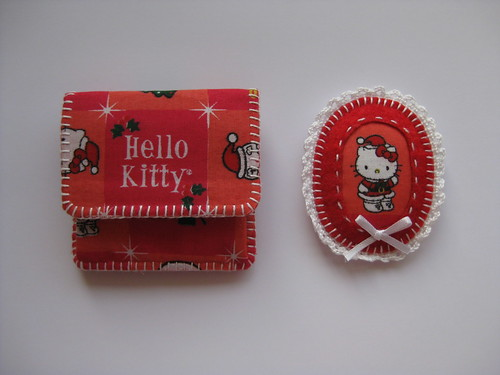 Hello Kitty Coin Pouch & Brooch by ONE by one