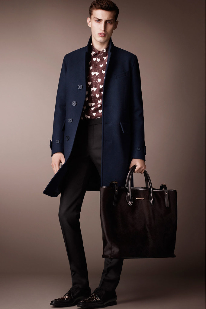 Charlie France0298_Burberry Prorsum's Pre-Fall 2013 Collection(Homme Model)