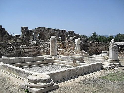 Termas construidas durante el reinado del emperador Adriano en el siglo II. Aphrodisias y la diosa griega del amor - 8271883169 4995fa08d9 - Aphrodisias y la diosa griega del amor