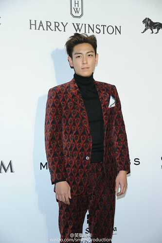 TOP - amfAR Charity Event - Red Carpet - 14mar2015 - smilesproduction - 09