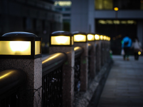 Lamps at Nakanoshima Garden Bridge by hyossie