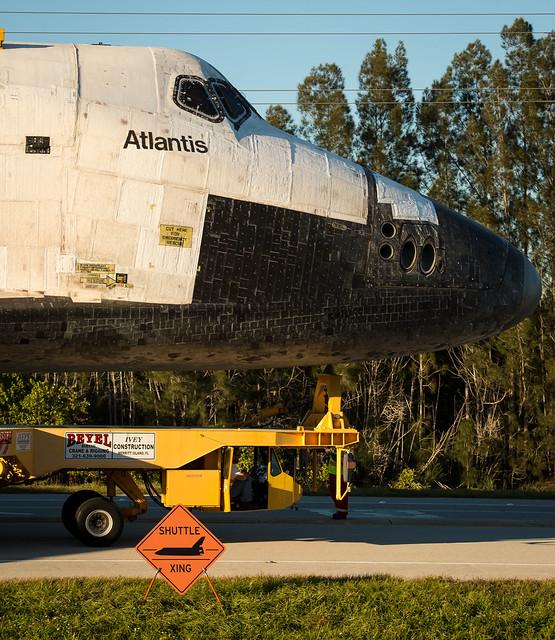atlantis space shuttle snow globe - photo #48