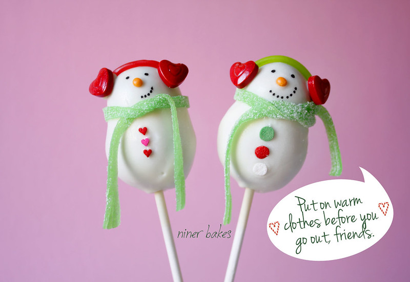 Snowman Cake Pops by niner bakes