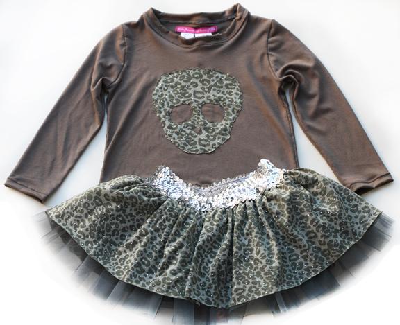 skull tee and skirt