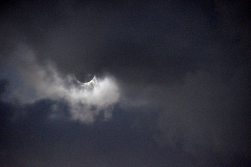 Totality through the cloud!