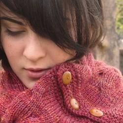 2012-11_GraceAkhrem-ReversibleTangledBranchesCowl