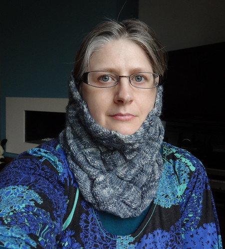 Infinity Cowl in Grey 06