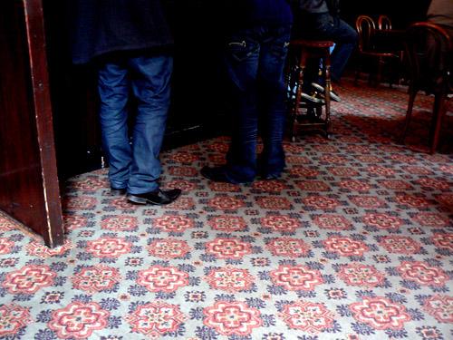 moquette pub.jpg