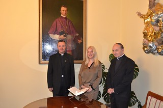 Vassula with retired Archbishop of Maribor, His Grace Dr. Franc Kramberger  (Ph.D) who knew Vassula from the past and by the Ordinary Archbishop, His Grace Marjan Turnšek (Ph.D)
