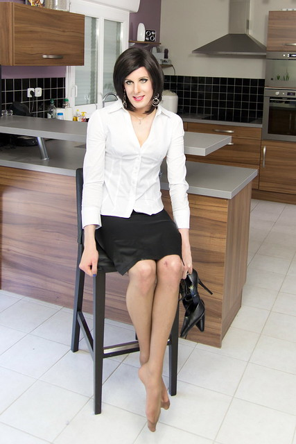 """4 thoughts on """"How To Wear Pencil Skirts – Combination Ideas"""""""