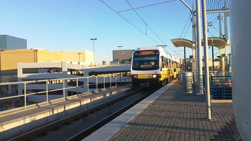 dallas light rail train