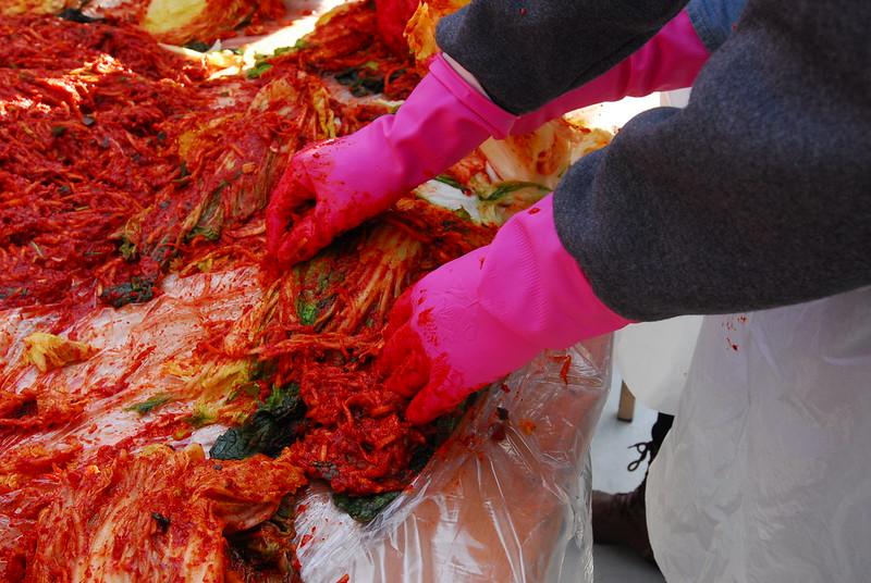 Making and sharing kimchi in Gaemi Village, 1 December 2012