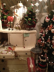 Cottage House Holiday Sale