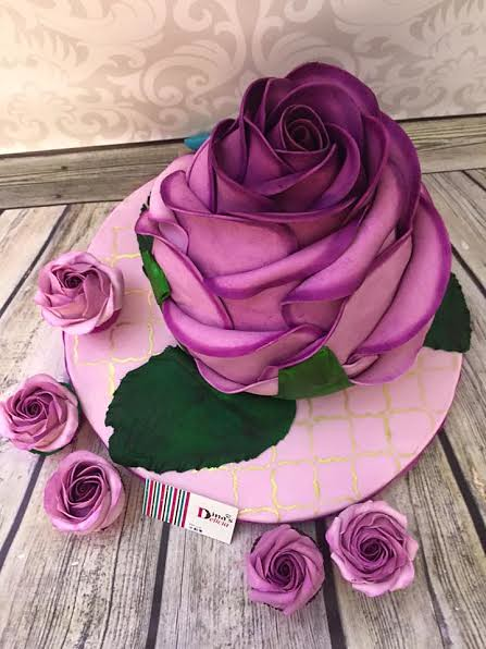 Flower Cake by Dina's Delicia
