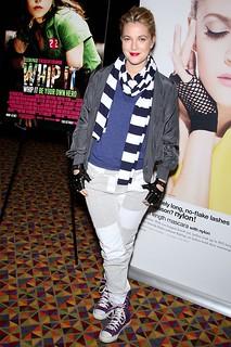 Drew Barrymore Converse Celebrity Style Women's Fashion