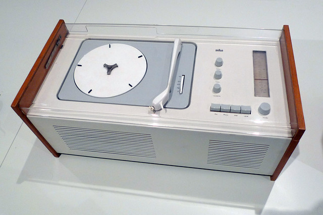 Dieter Rams.Braun_record_player.1956.color.cor