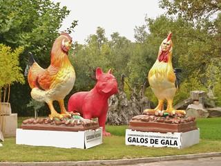 Bacalhoa Winery - Odd Statues