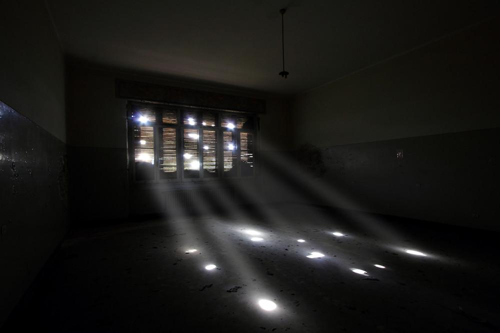 e luce sia | musica consigliata: www youtube com/watch?v=FVN