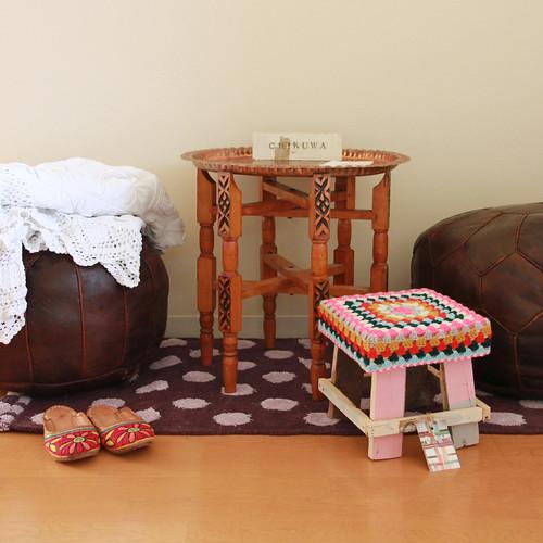 wood & wool mini stool + wood & word sign - Chikuwa