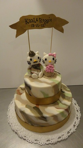 Hello Kitty Camo Wedding Cake by CAKE Amsterdam - Cakes by ZOBOT
