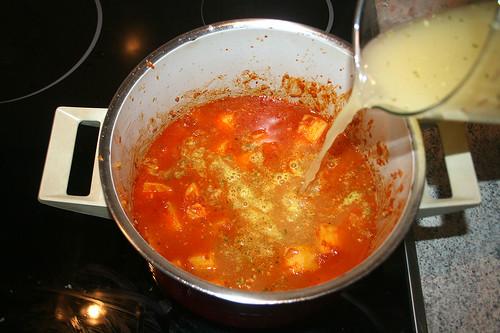 27 - Mit Gemüsebrühe aufgießen / Add vegetable stock